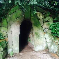 Stone tunnel / grotto